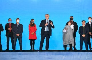 Alberto Fernández y Cristina Fernández cierran la campaña nacional del FdT en Tecnópolis
