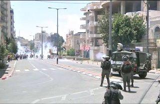 Balas, gases y heridos en choques entre palestinos y tropas en Cisjordania y Jerusalén