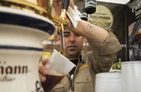 """Cerveza artesanal: celebran el """"Lager Day"""" con reconversión en pandemia y reactivación"""