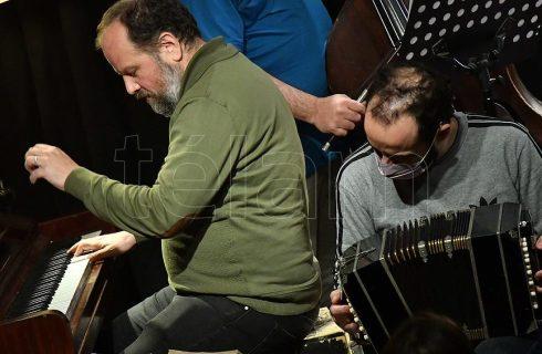 """Diego Schissi Quinteto celebró la vuelta a los escenarios con su nuevo disco """"Te"""""""