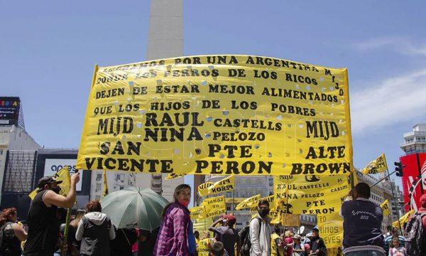 El movimiento de desocupados que conduce Castells se concentra en el Obelisco