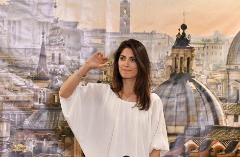 Eligen alcalde en Roma, Milán, Turín, Nápoles, Bolonia y más de 1.100 ciudades italianas