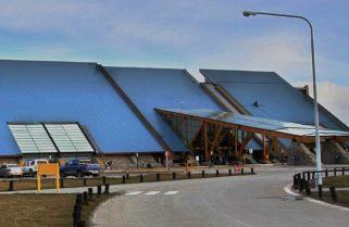 """Habilitan como """"corredores seguros"""" el aeropuerto y puerto de Ushuaia para ingreso de viajeros"""