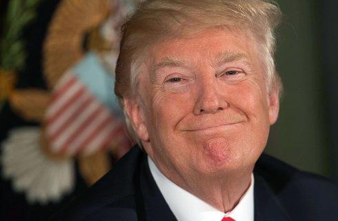 """La exsecretaria de prensa de Trump dice que la gestión de la pandemia fue """"trágica"""""""