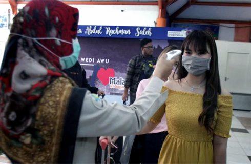 Según la OMS hay más casos de coronavirus y menos muertes en el mundo en la última semana