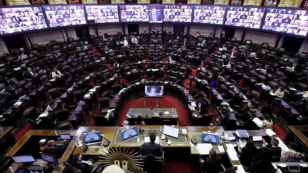 El proyecto se debate en un plenario de las comisiones de Asuntos Constitucionales y de Presupuesto y Hacienda.