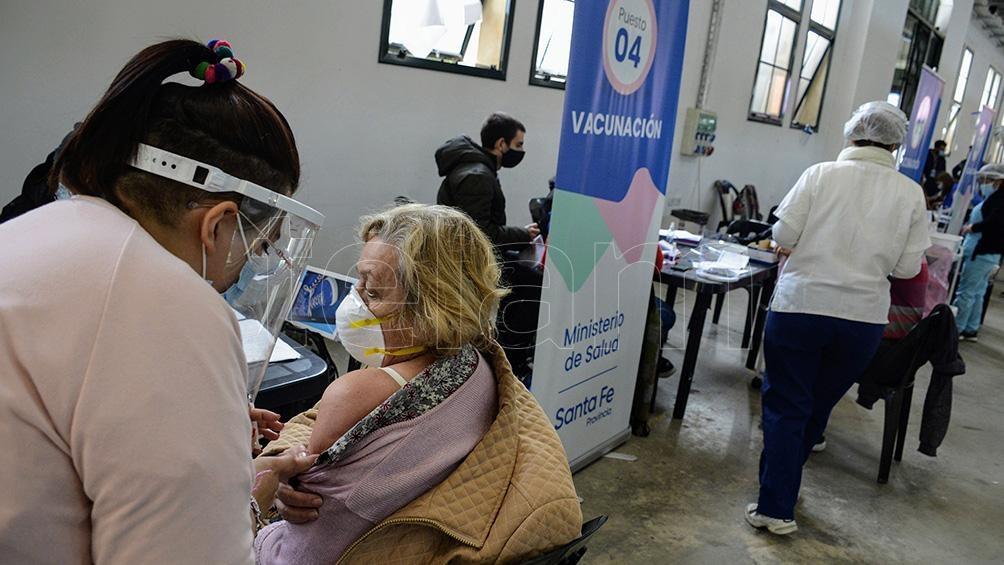 El operativo de vacunación ya aplicó 1.244.471 dosis en Santa Fe, lo que representa el 82% de la población objetivo.