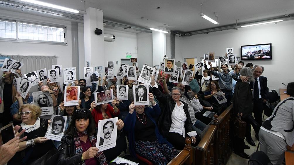 Por la vía virtual, el juicio fue seguido por familiares y compañeros que estaban en Europa, México e Israel.